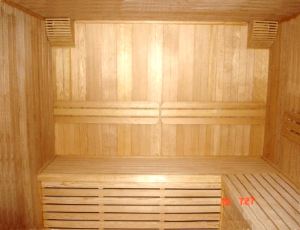 -customized-wooden-sauna