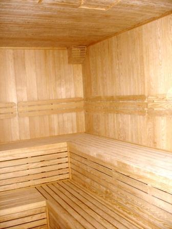 sauna_room_1.jpg