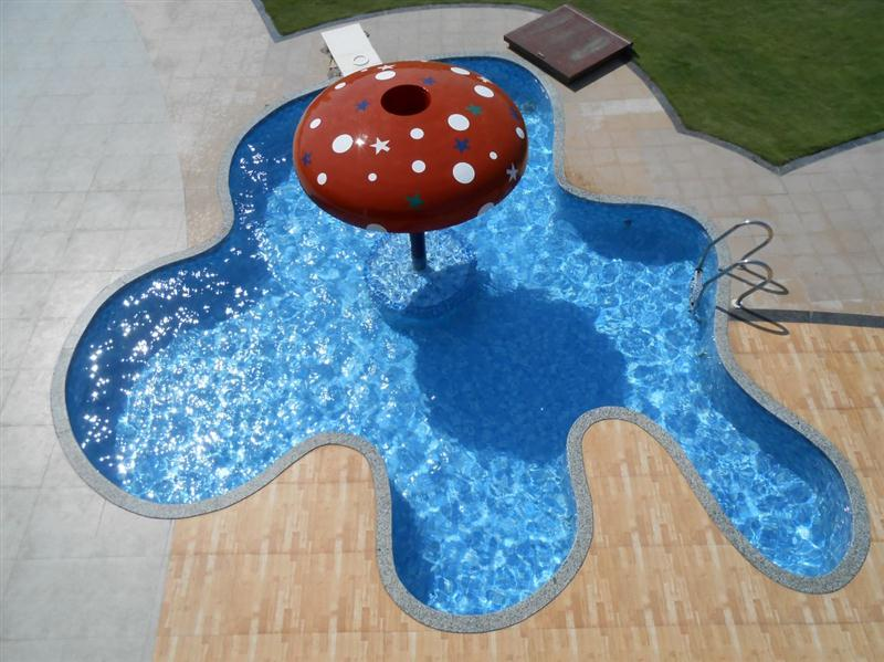 Mushroom-top-in-baby-pool.jpg